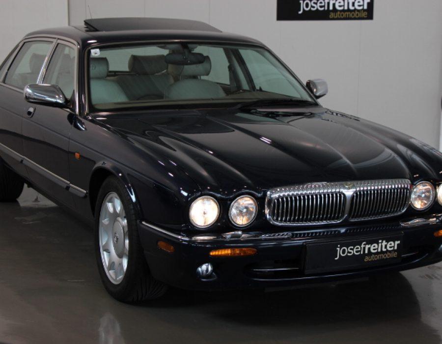 Jaguar Daimler Super V8 4.0 LWB