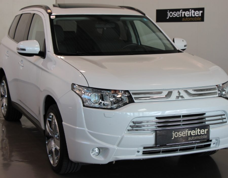 Mitsubishi Outlander 2.2 DI-D AS & G Instyle
